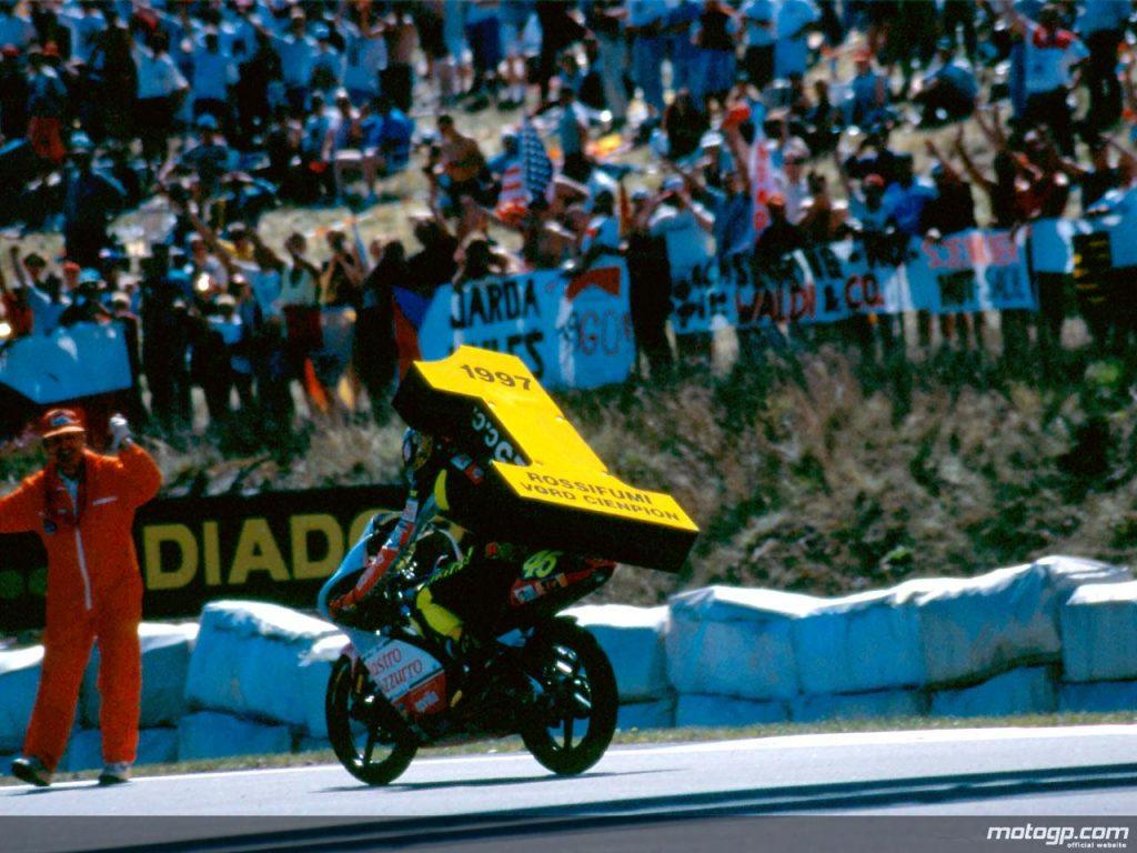 Rossi campeon 125cc mundial brno 1997