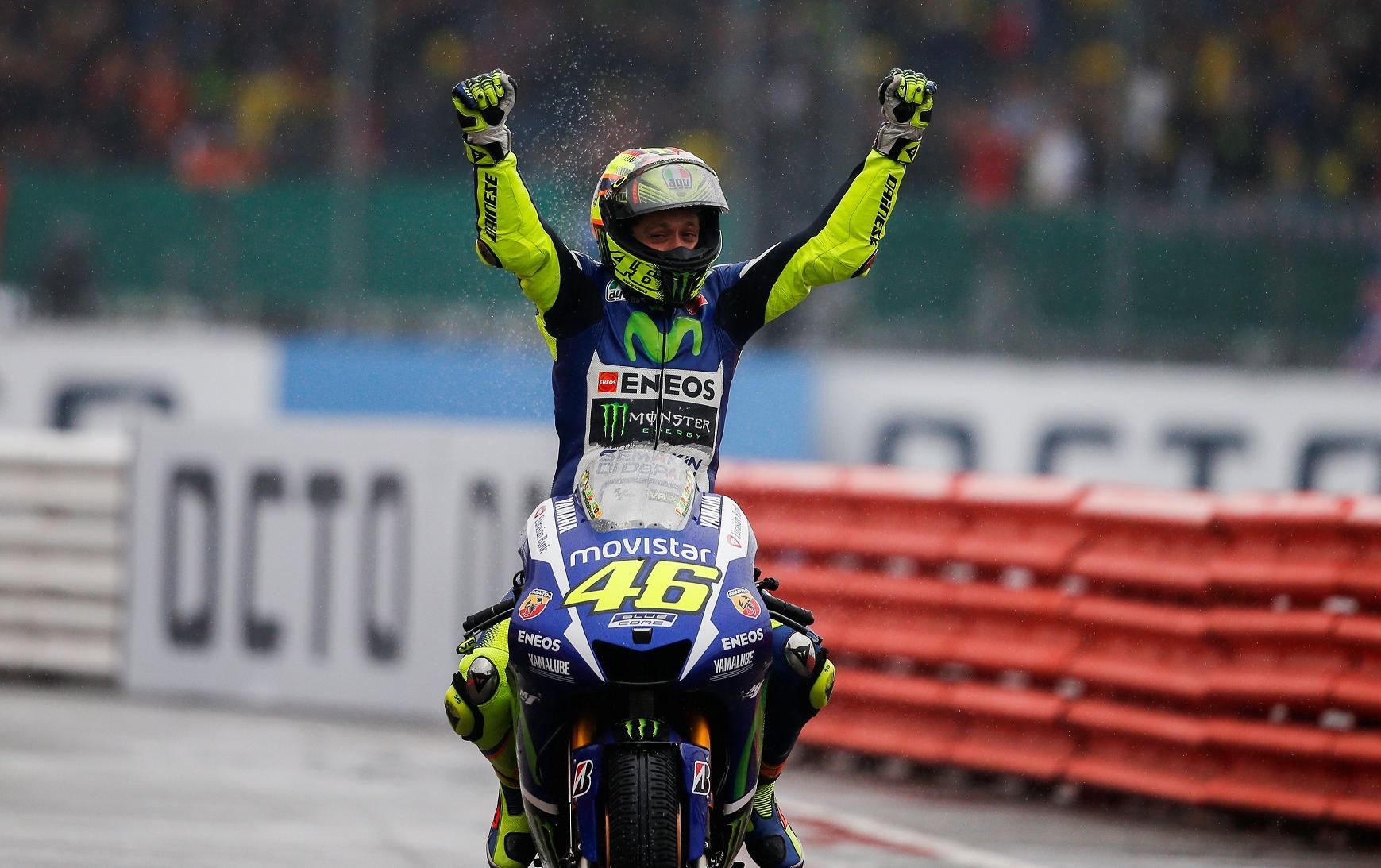 Valentino Rossi gana victoria Yamaha Silverstone 2015
