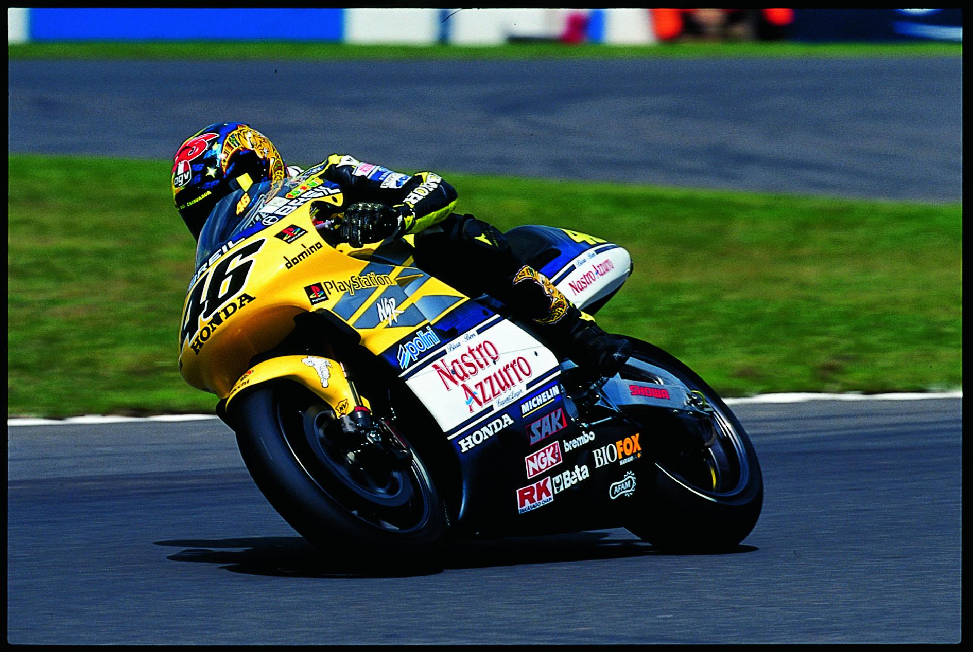 Valentino Rossi 46 Honda HRC primera victoria donington park 2000