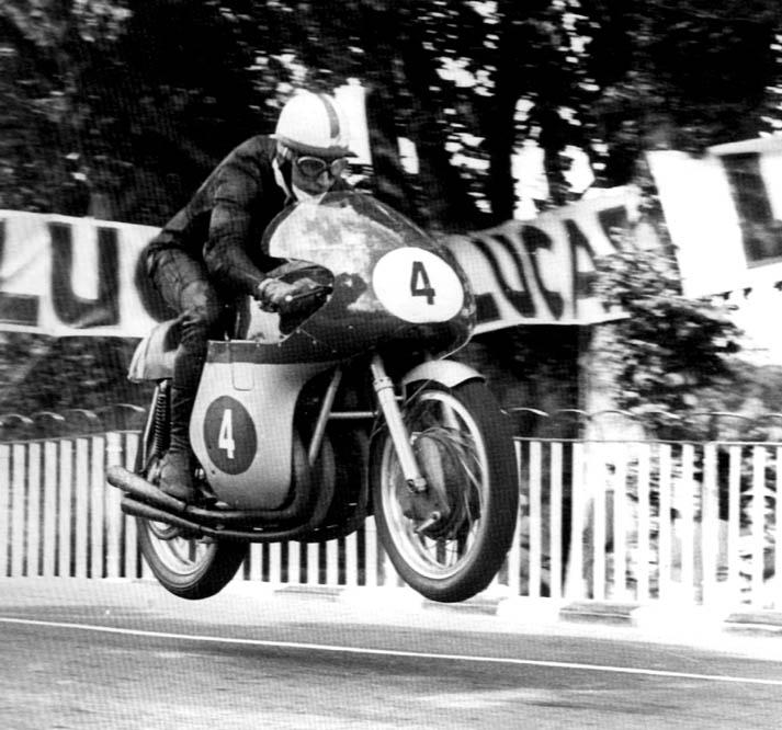 john surtees motogp 500cc campeón