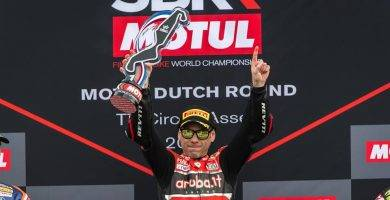 Álvaro Bautista gana con Ducati