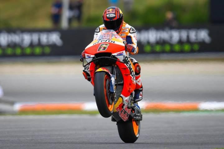 MotoGP Stefan Bradl Cal Crutchlow Honda