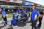 Davide Brivio junto a Álex Rins en la parrilla del Gran Premio de Italia en Mugello