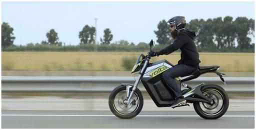 moto eléctrica carreteras españa