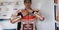 Álex Márquez en su box durante los test de Sepang de MotoGP