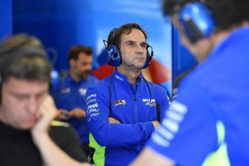 Davide Brivio en el box de Suzuki