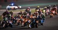 Salida de la carrera de la categoría de Moto2 en el Gran Premio de Qatar