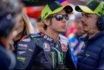 Valentino Rossi y Uccio Salucci durante una carrera de MotoGP