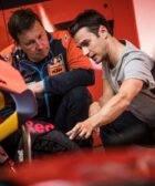 Dani Pedrosa en el box de KTM