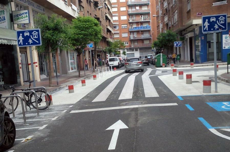Paso de peatones antirreglamentario en Logroño