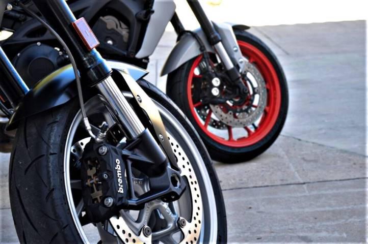 Frenos BMW y Yamaha