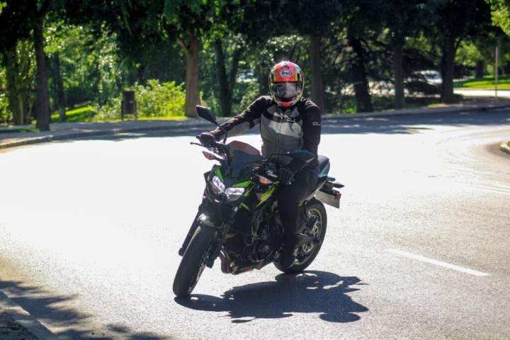 PRUEBA. Kawasaki Z650 2020: el éxito de una naked media