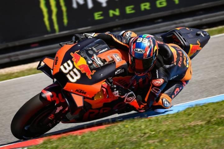 Brad Binder ha ganado la carrera de MotoGP del Gran Premio de la República Checa
