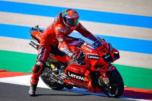 Bagnaia banderas Portimao Ducati Yamaha MotoGP