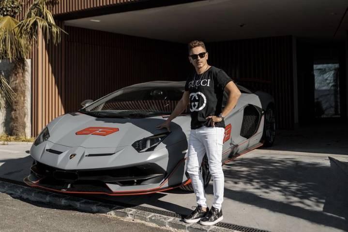 Lorenzo explose après une blague avec sa Lamborghini
