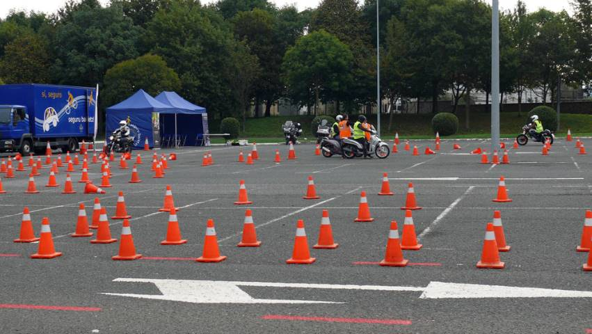 Panorámica de un curso de conducción segura