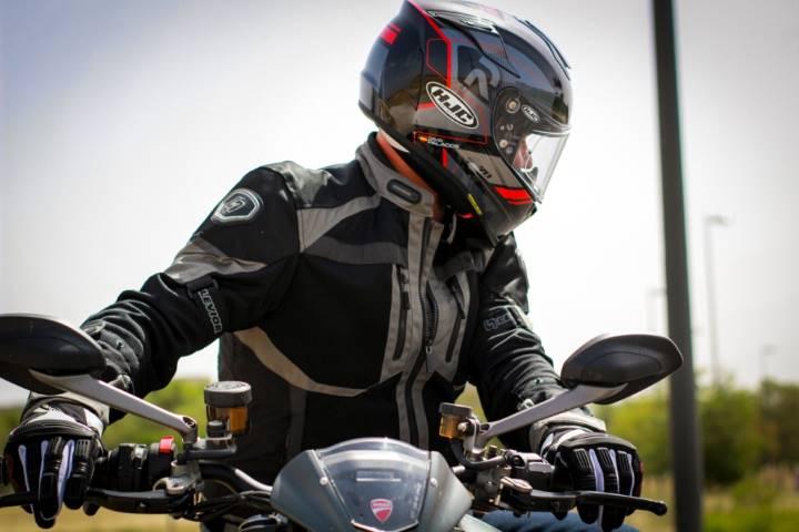 ducati monster, motos de calle, prueba